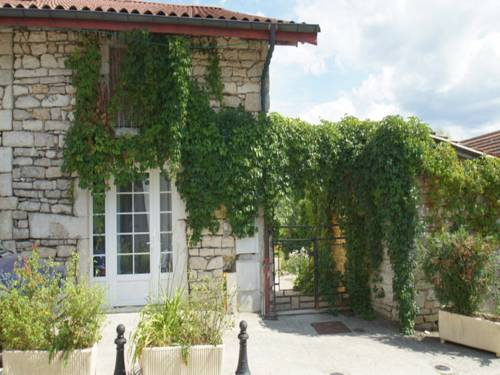 Chez Michel : Apartment near Bolozon