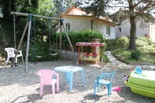 Les Issignols : Guest accommodation near Arlebosc