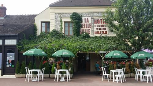 A La Vielle Halle : Hotel near Bagneaux-sur-Loing