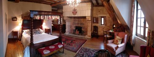 Le Vieux Chateau B&B : Bed and Breakfast near Fontaine-les-Bassets