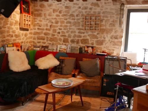 La Cage aux Oiseaux : Bed and Breakfast near Avoine