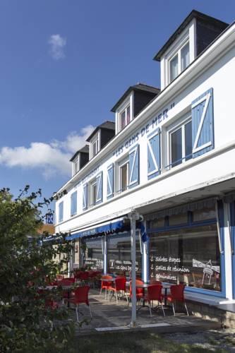 Hôtel Les Gens De Mer Lorient by Popinns : Hotel near Lorient