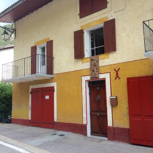 La Para : Guest accommodation near Châteauneuf-d'Entraunes
