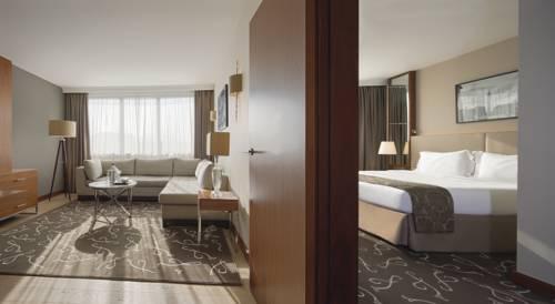 Crowne Plaza Paris - Neuilly : Hotel near Levallois-Perret