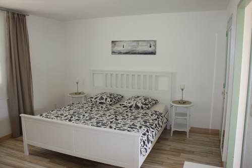 Le Venay : Bed and Breakfast near Flacey-en-Bresse