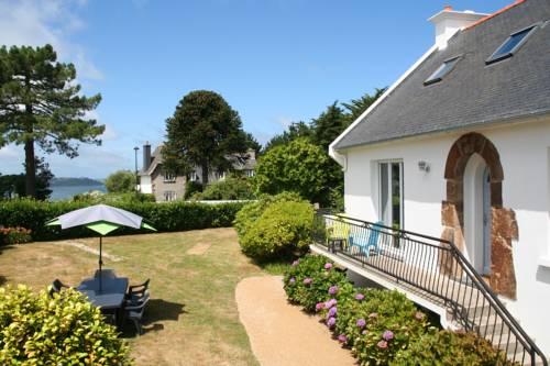 Terre A Tribord : Guest accommodation near Trézény