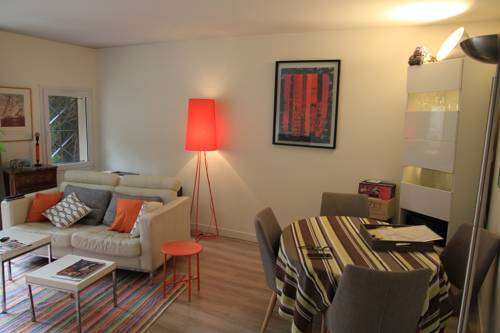 Urban and Nature House : Guest accommodation near Montigny-le-Bretonneux
