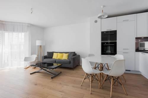 Appartement à Suresnes : Apartment near Suresnes