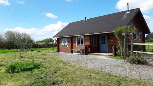 Chalet Dans Haras : Guest accommodation near Andigné