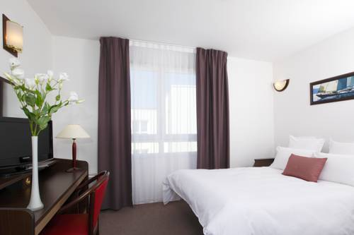 Appart'City Brest Place de Strasbourg : Guest accommodation near La Roche-Maurice