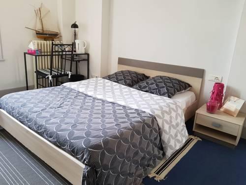 Chambre privée Plein centre VICHY : Guest accommodation near Saint-Rémy-en-Rollat