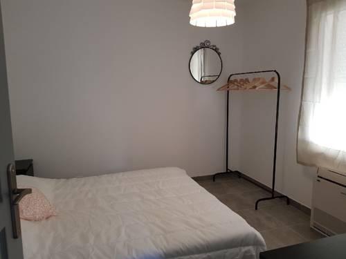 villa : Guest accommodation near Gréoux-les-Bains