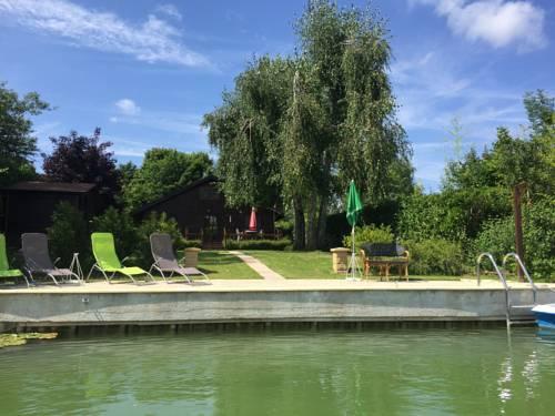 Chalet dans le Domaine de la Goujonne : Guest accommodation near Grisy-sur-Seine