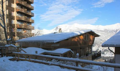 Loup chalet : Bed and Breakfast near Les Thuiles