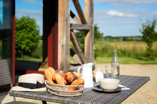 Hameau des Damayots : Bed and Breakfast near Thiel-sur-Acolin