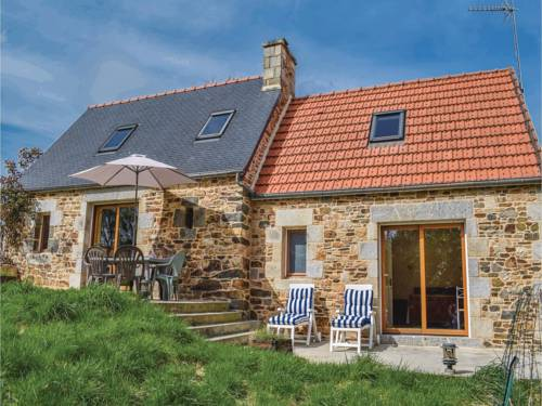 Holiday home Moulin Du Mouster : Guest accommodation near Ploulec'h