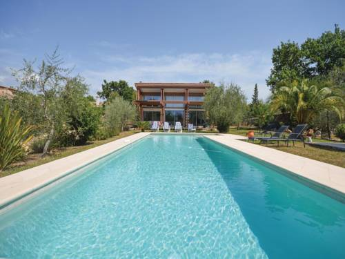 Four-Bedroom Holiday Home in St Cezaire sur Siagne : Guest accommodation near Saint-Cézaire-sur-Siagne
