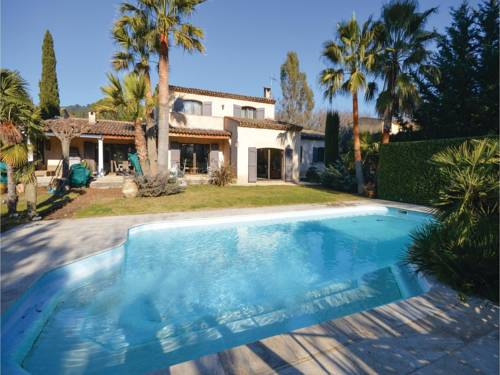 Four-Bedroom Holiday Home in Grasse : Guest accommodation near Grasse
