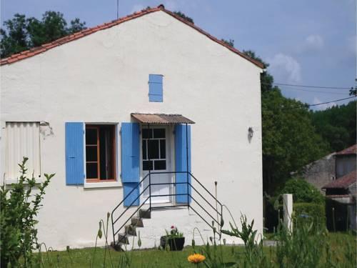 Holiday home Dampierre sur Boutonne QR-1523 : Guest accommodation near Chizé