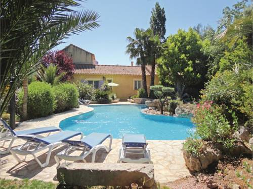 Three-Bedroom Holiday Home in Roujan : Guest accommodation near Fos