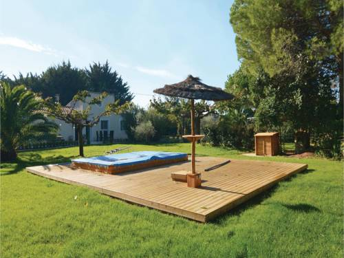 Three-Bedroom Holiday Home in Villen.-les-Maguelone : Guest accommodation near Villeneuve-lès-Maguelone