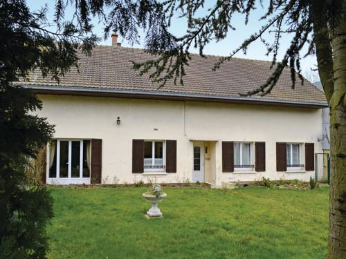 Holiday home Bernot YA-1181 : Guest accommodation near La Ferté-Chevresis