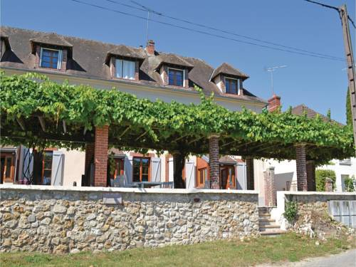 Three-Bedroom Holiday Home in Jaulgonne : Guest accommodation near Courmont