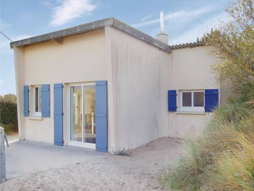Holiday Home Anneville Sur Mer Rue Du Chemin De Fer : Guest accommodation near Anneville-sur-Mer