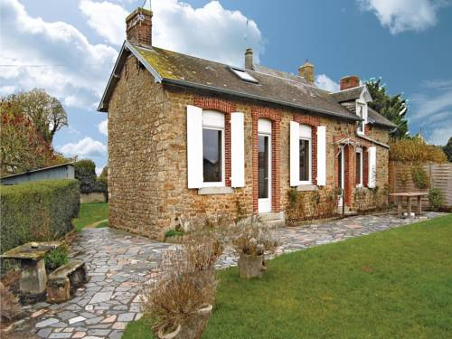Holiday home Le Val St Pere O-853 : Guest accommodation near Avranches