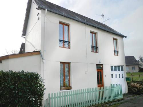 Holiday Home Ceauce with Fireplace IX : Guest accommodation near Avrilly