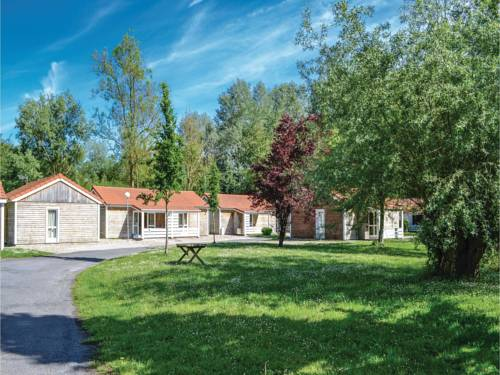 Two-Bedroom Holiday Home in Auxi le Cheteau : Guest accommodation near Vieil-Hesdin
