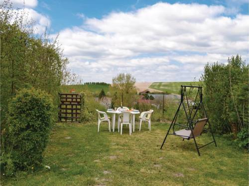 Three-Bedroom Holiday Home in Auxi le Chateau : Guest accommodation near Vieil-Hesdin