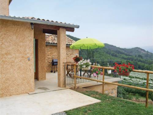 Three-Bedroom Holiday Home in Sigoyer : Guest accommodation near Le Poët
