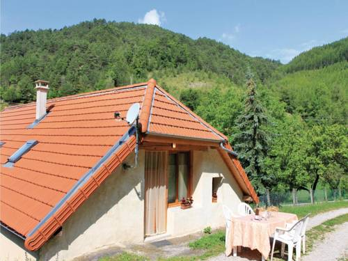 Two-Bedroom Holiday Home in Glandage : Guest accommodation near Lalley