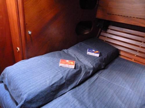 Bateau d'hôtes : Guest accommodation near Bono