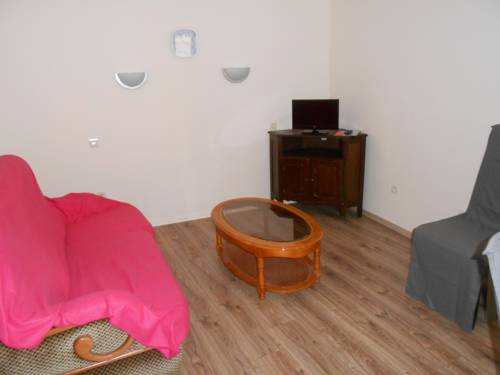 Appartement : Apartment near Neuillé-le-Lierre
