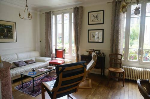 Maison Eliane Versailles : Guest accommodation near Viroflay