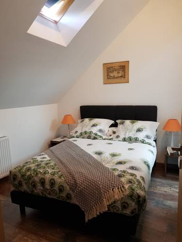 La longere Des Glycines : Bed and Breakfast near Misy-sur-Yonne