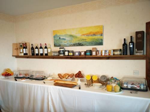La Maison Rose : Bed and Breakfast near Sembouès