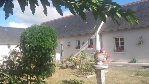 Le Clos des Roses : Bed and Breakfast near Civray-de-Touraine