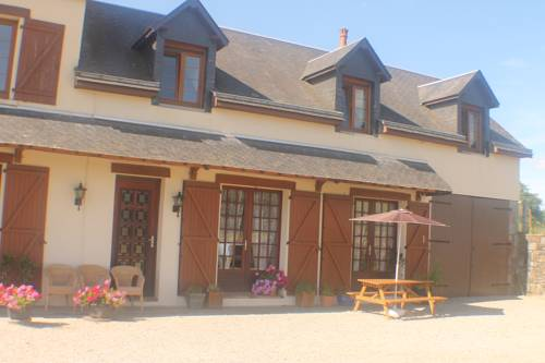Walnut House : Bed and Breakfast near Chaulieu