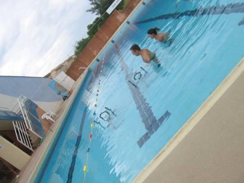 restaurant la piscine : Guest accommodation near Assignan