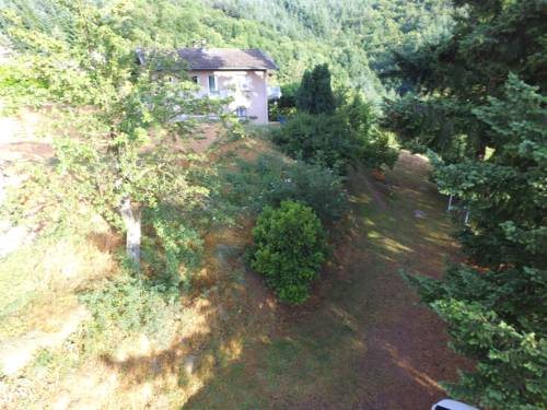 Prevencheres Bas 2 : Guest accommodation near Saint-Julien-Labrousse