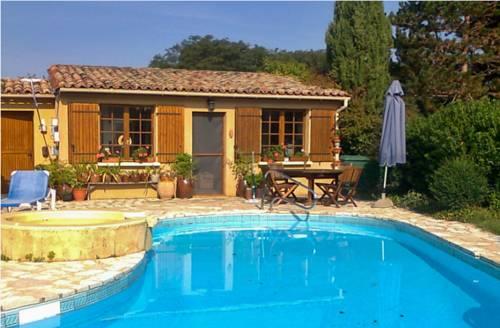 Holiday Home Lieu dit Soulaleve : Guest accommodation near Alles-sur-Dordogne
