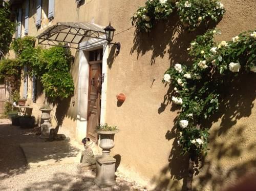 La Raillere : Bed and Breakfast near Antras