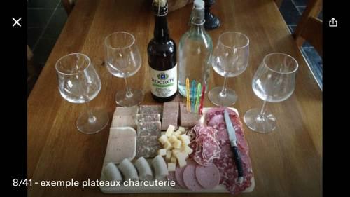 Cabane et vallée : Guest accommodation near Haulmé