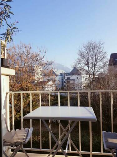 Appartement Centre Ville proche tram : Apartment near Fontaine