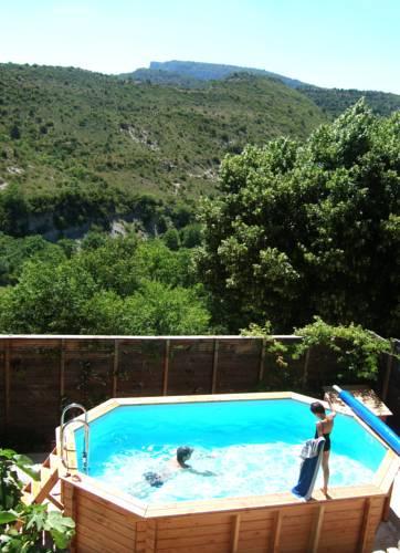 Gîte de la Dent de Rez : Guest accommodation near Gras