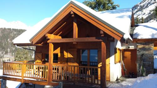 Clos du Pre - Chalet Chaleur : Guest accommodation near Allemond
