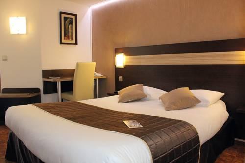 Comfort Hotel Les Mureaux-Flins - Restaurant La Chaumière : Hotel near Oinville-sur-Montcient